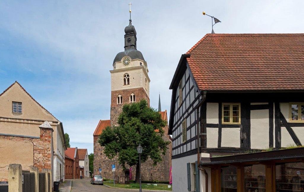 St. Gotthardt, Pfarrkirche der Altstadt