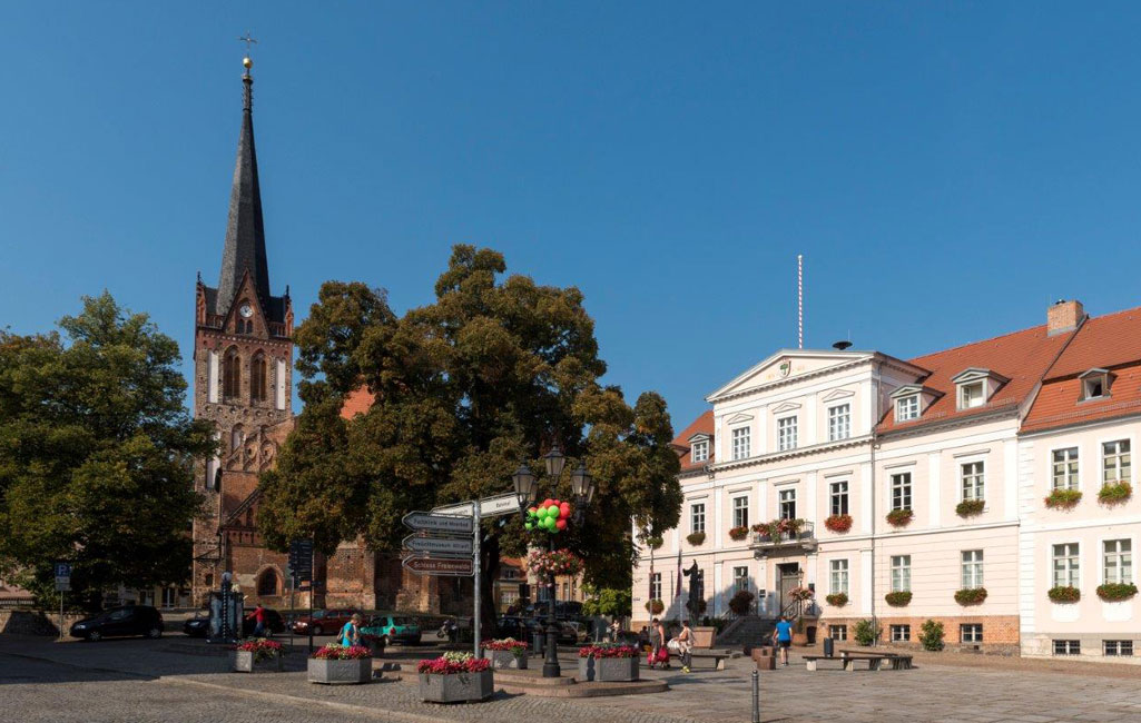 Bad Freienwalde Stadtkirche St. Nikolai und Rathaus