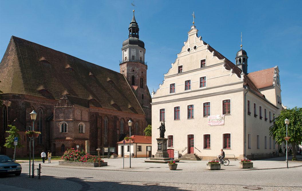 Herzberg (Elster) Markt, Rathaus, Kirche