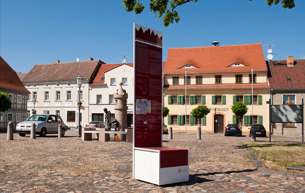 Uebigau Markt, Rathaus