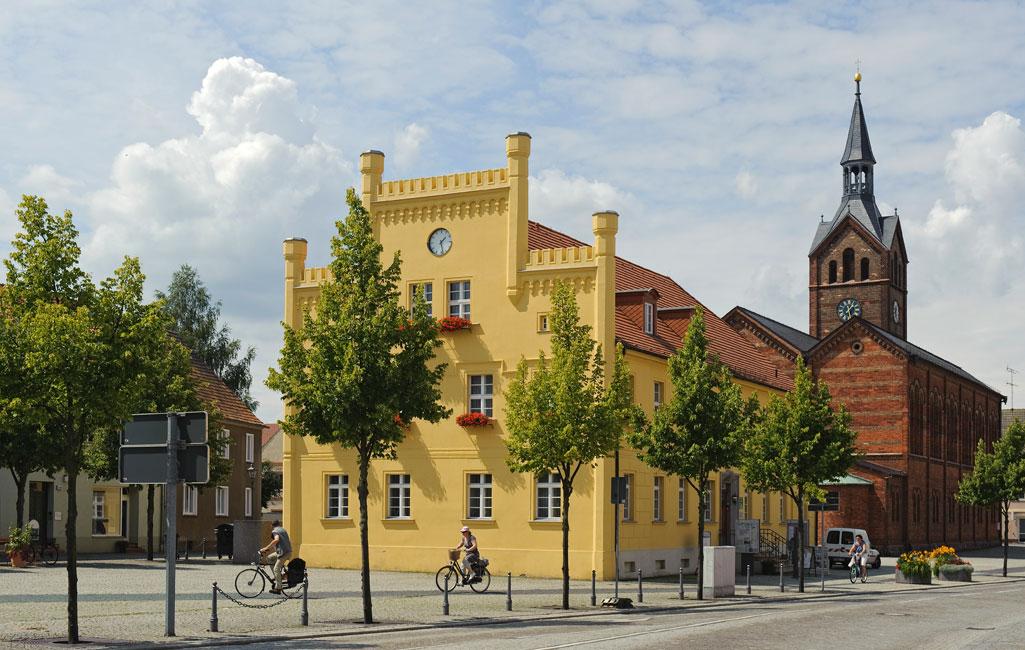 Historisches Rathaus und Evangelische Pfarrkirche
